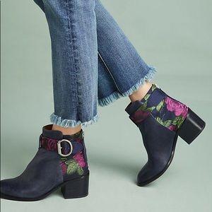Jeffery Campbell Regan floral booties. Size 9